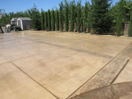 picture of a stamped concrete driveway in Yorba Linda